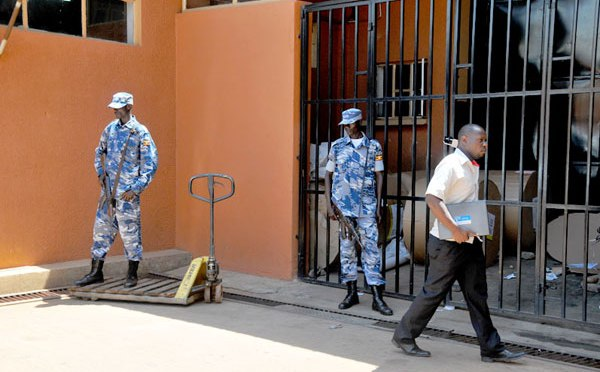 Uganda: Monitor offices under police siege